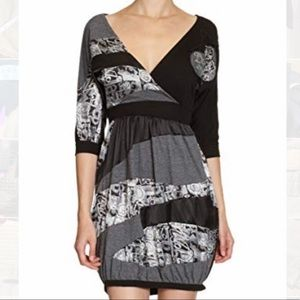 Desigual | Half sleeves black dress size medium